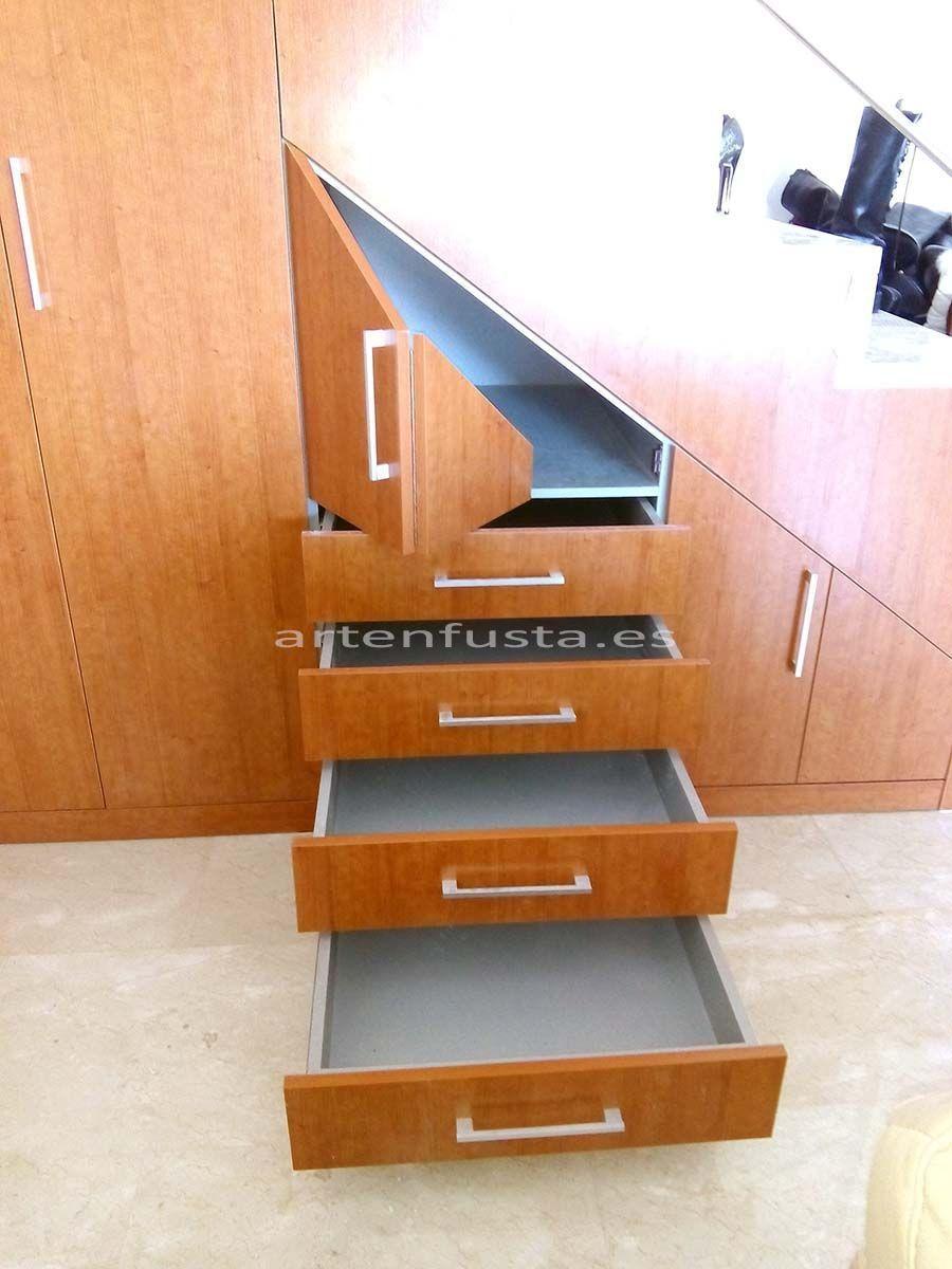 Mueble bajo de escalera a medida for Zapatero bajo escalera