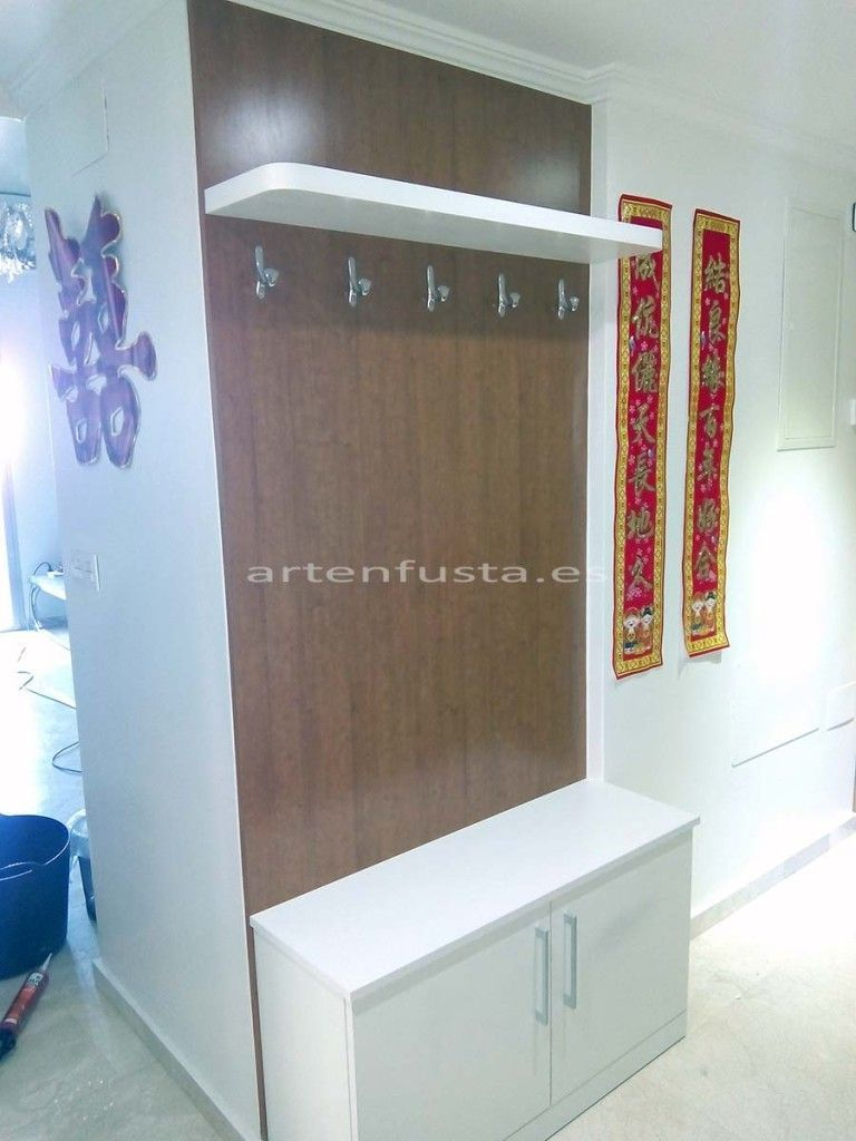 Mueble de entrada a medida zapatero perchero cerezo y for Mueble perchero entrada