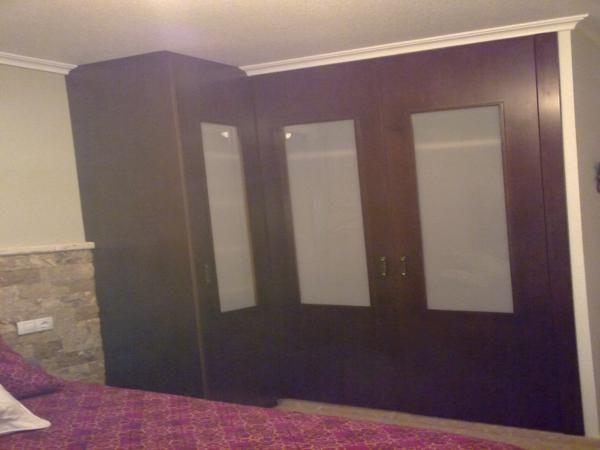 mueble a medida de dormitorio elche santa pola alicante  Carpintería