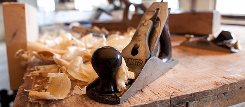 Carpinteros San Felipe Neri cocinas   parquets tarimas flotantes puertas blindadas  de interior muebles vestidores a medida