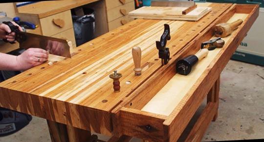 Carpinteros Benferri muebles de cocina  parquet tarima flotante puertas blindadas  de interior armarios vestidores a medida