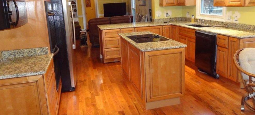 Carpinteros Elda muebles de cocina  parquet tarimas flotantes puertas blindadas  de interior muebles vestidores