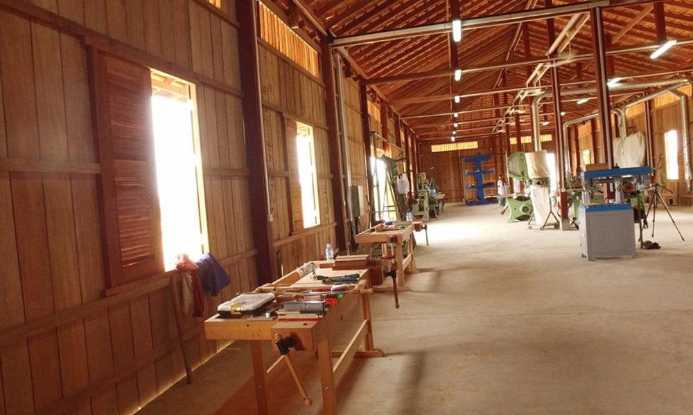Carpinteros Hurchillo muebles de cocina  parquet tarimas flotantes puertas blindadas  de interior muebles vestidores