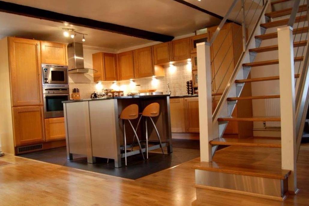 Carpinteros Ciudad Quesada muebles de cocina  parquet tarimas flotantes puertas blindadas  de interior muebles vestidores