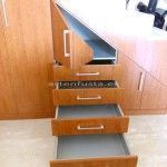 Mueble a medida de bajo escalera Cerezo y aluminio Elche