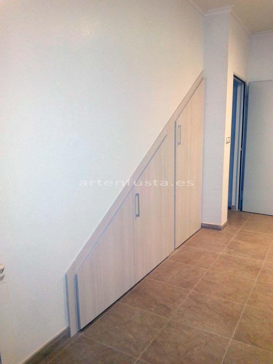 Puertas a medida de bajo de escalera elche alicante - Puertas de escalera ...