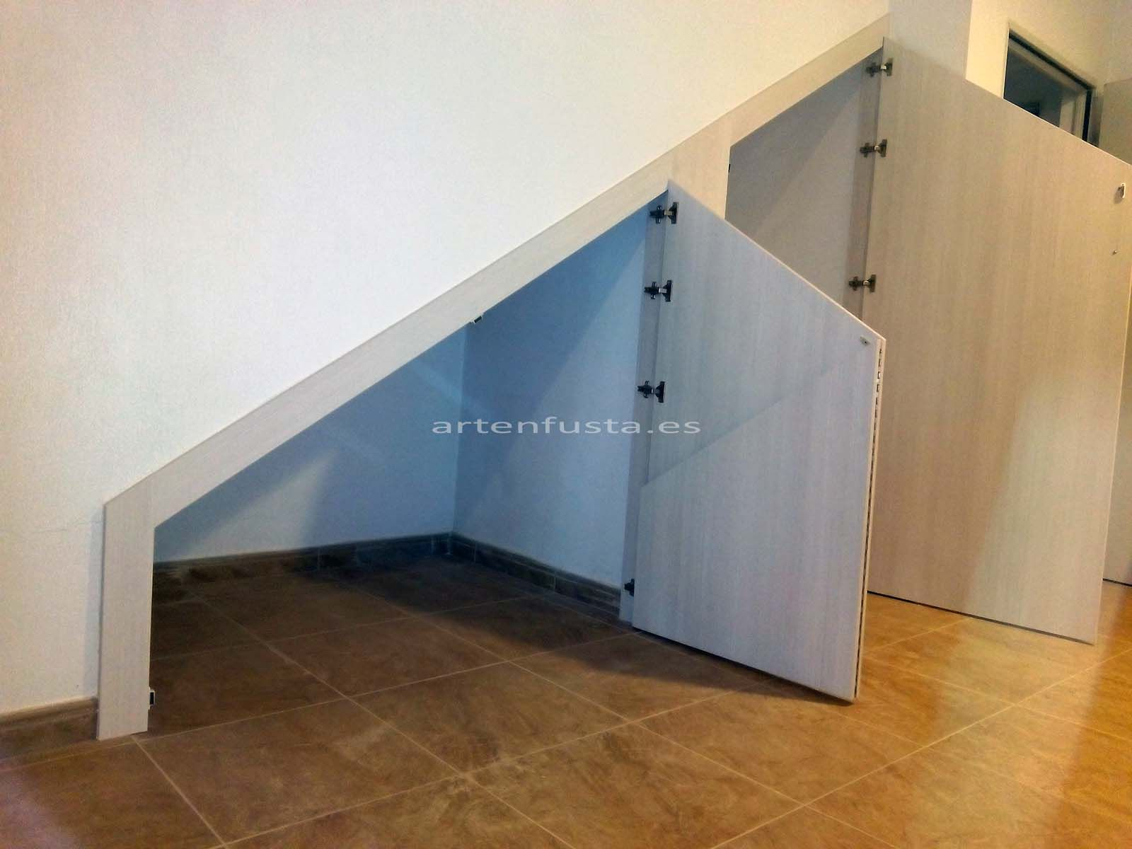 Puertas a medida de bajo de escalera elche alicante - Mueble a medida ...