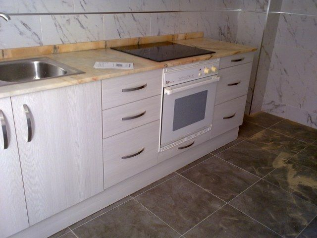 Cocina elche oregon siena 4 640 480 carpinter a j for Muebles anticrisis elche carretera crevillente